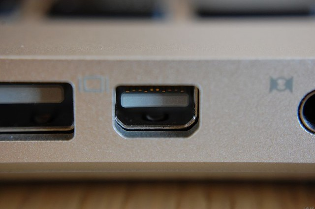 Thunderbolt and mini displayport differences and - Is the thunderbolt port a mini displayport ...