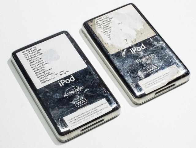 Deux prototypes d'iPod