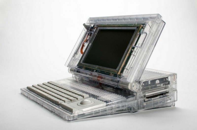Un Macintosh Portable transparent
