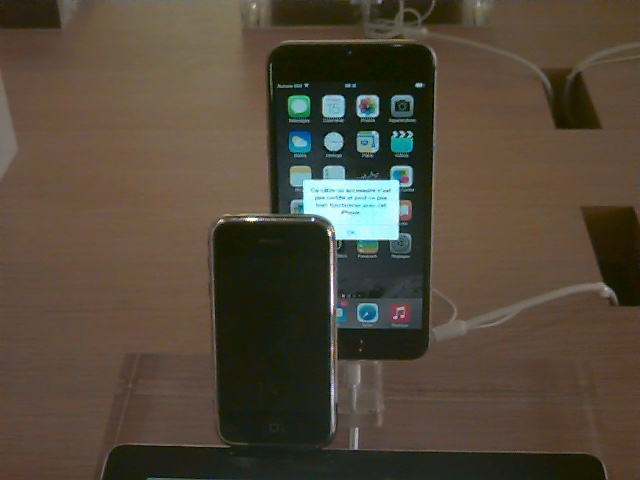 iPhone et iPhone (7 ans plus tard)