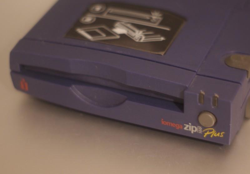 Le ZIP 100 Plus, SCSI et parallèle