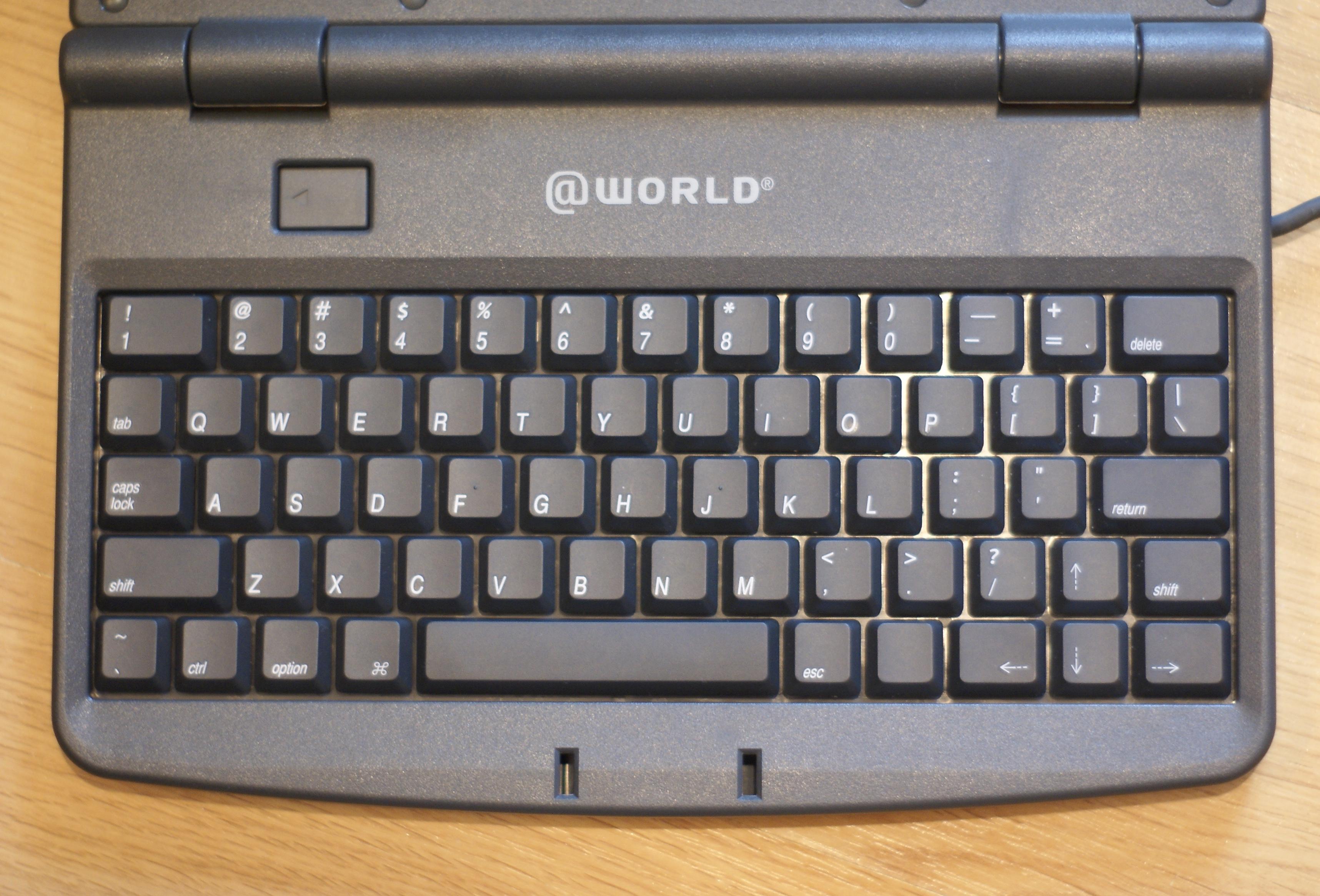 Le clavier tablette de la pippin en version world le for Les parties du clavier
