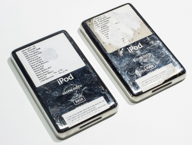 Deux prototypes d'iPod