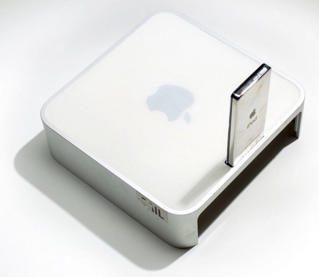 Un Mac mini avec dock iPod