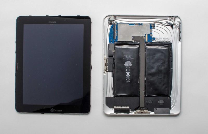 Un iPad avec deux connecteurs dock (il date de 2009)