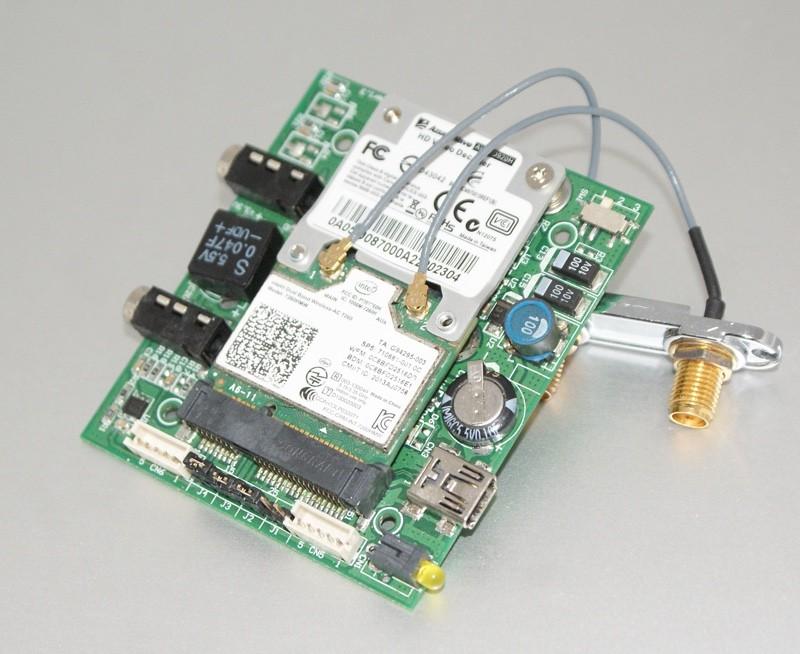 Une carte Intel dans un adaptateur USB