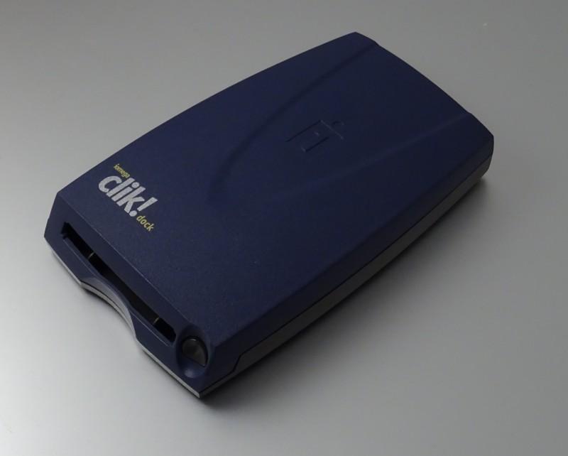 Le dock pour Clik! (un adaptateur USB)