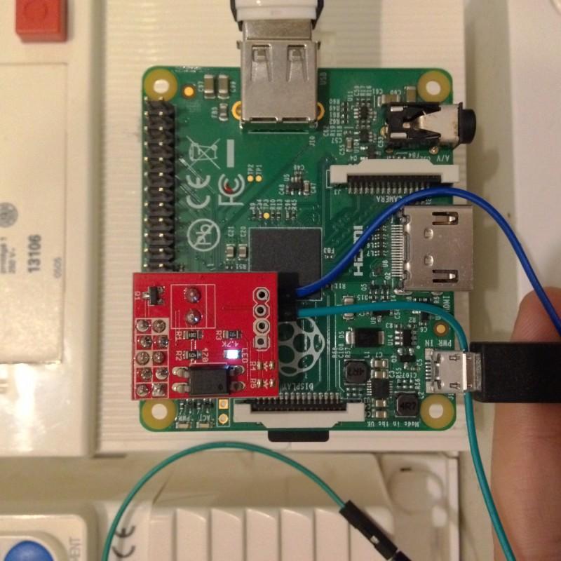 Le Raspberry Pi et son adaptateur sur GPIO