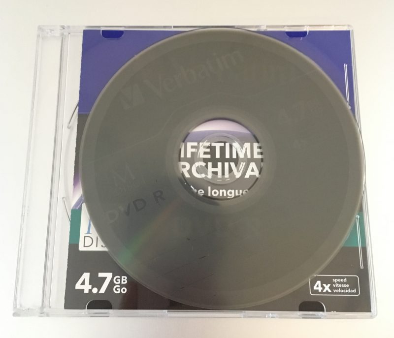 Le disque est (un peu) transparent