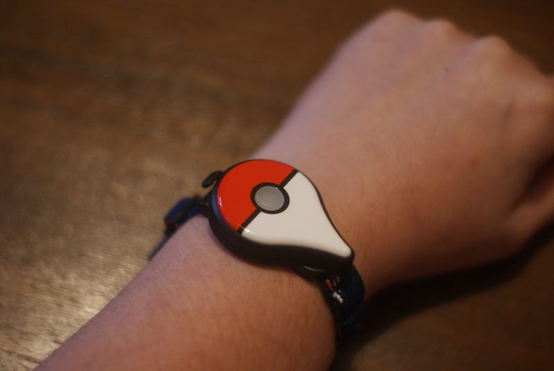 Le Pokémon GO Plus sur son poignet