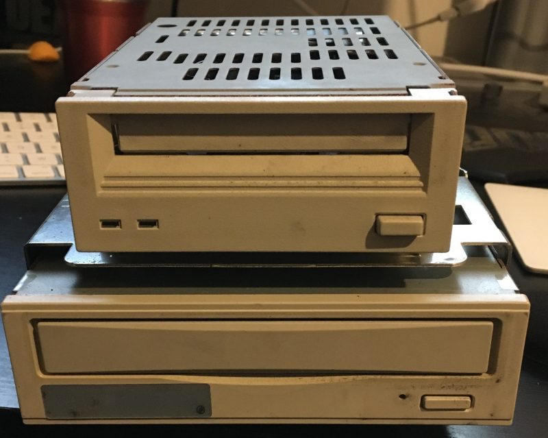 DAT et CD-ROM